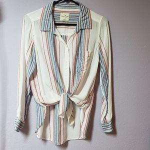 American Eagle white buttoned downed shirt